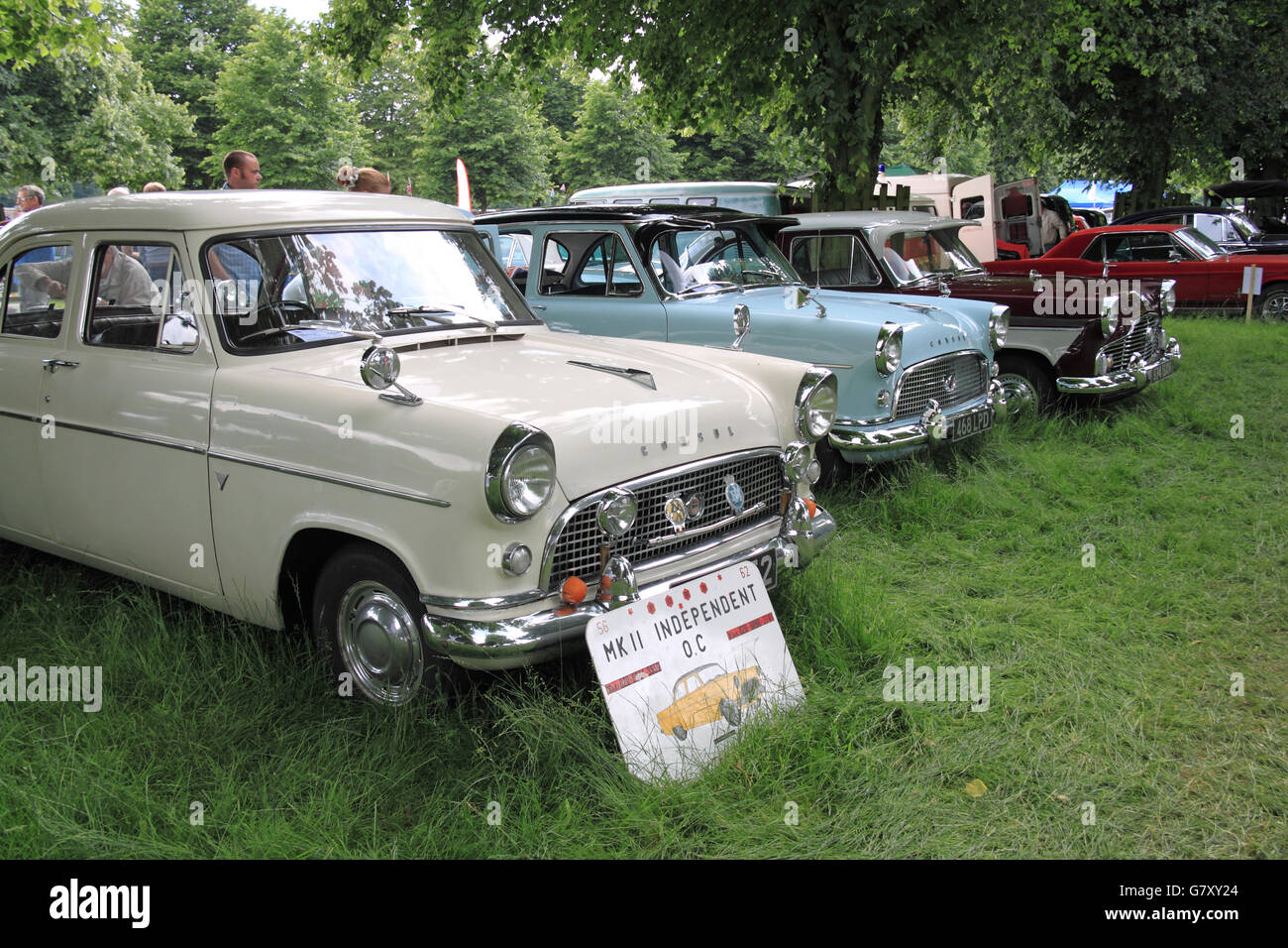 Two Ford Consul Mk IIs (1957 and 1959) and a Ford Zephyr MkII, Hanworth Classic Car Show, 26th June 2016. Bushy - Stock Image