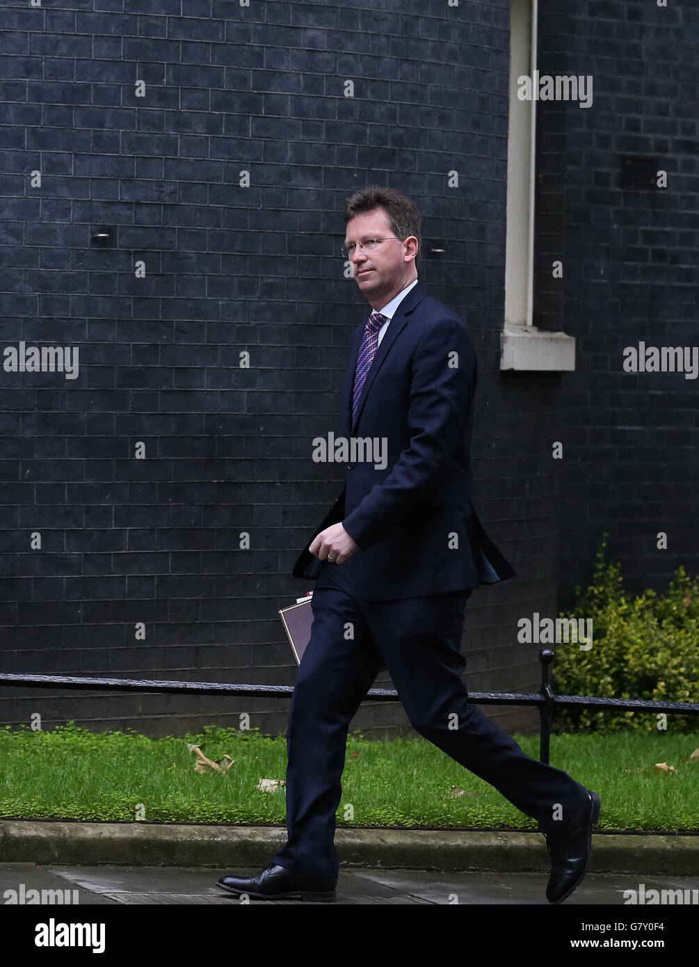 London, Britain. 27th June, 2016. Jeremy Wright, Attorney General, arrives for a cabinet meeting at 10 Downing Street - Stock Image