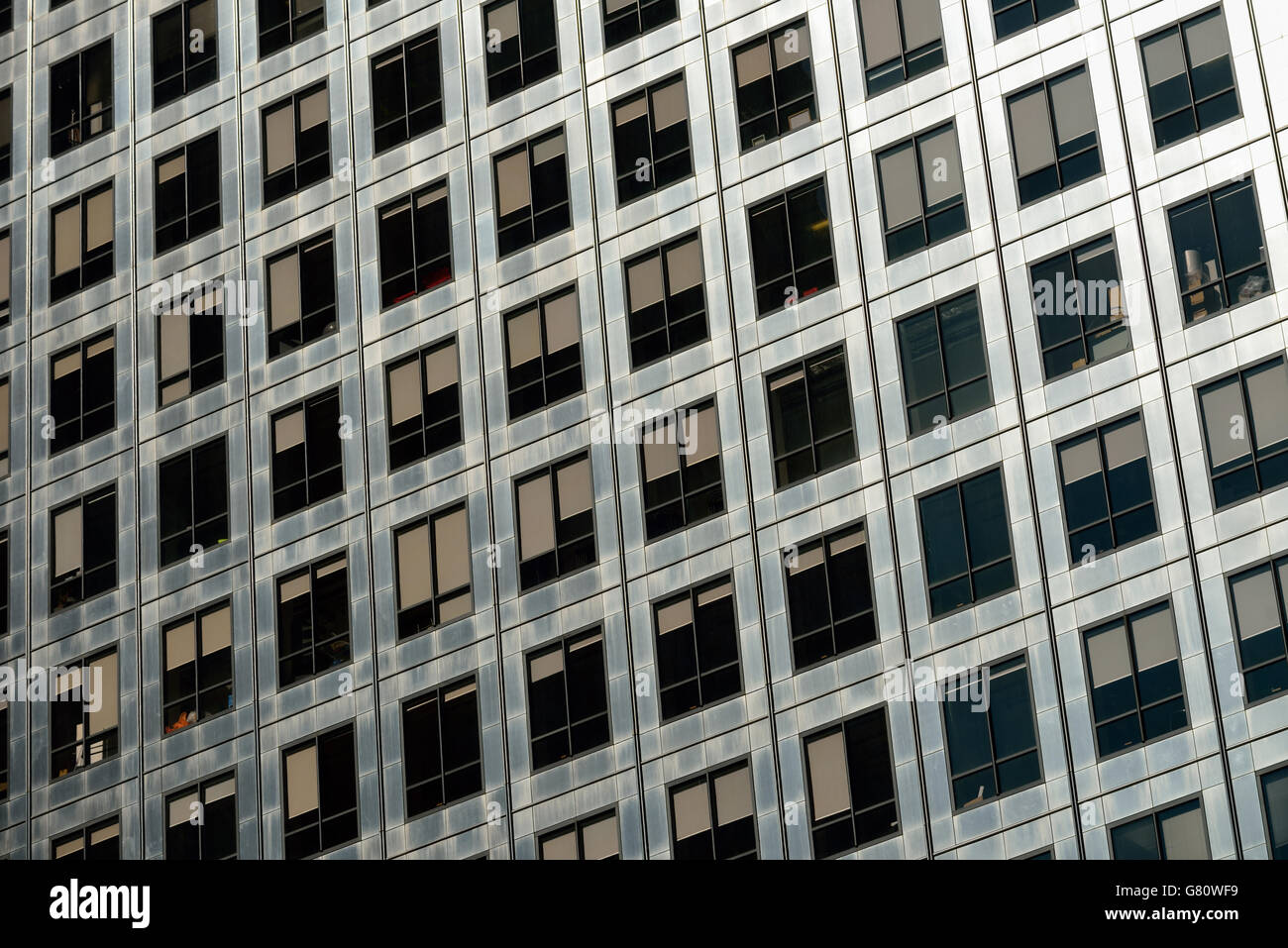 Stainless steel office facade, One Canada Square, Canary Wharf, London E14, United Kingdom - Stock Image