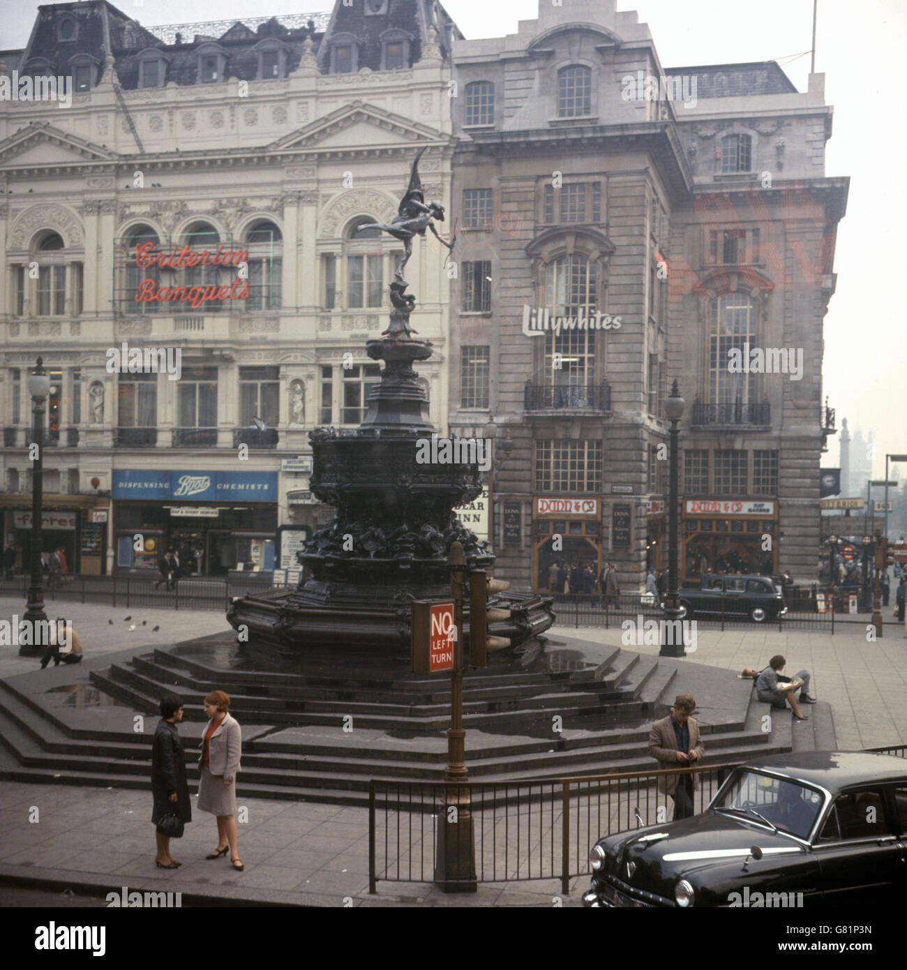London Scenes - Piccadilly Circus - Stock Image