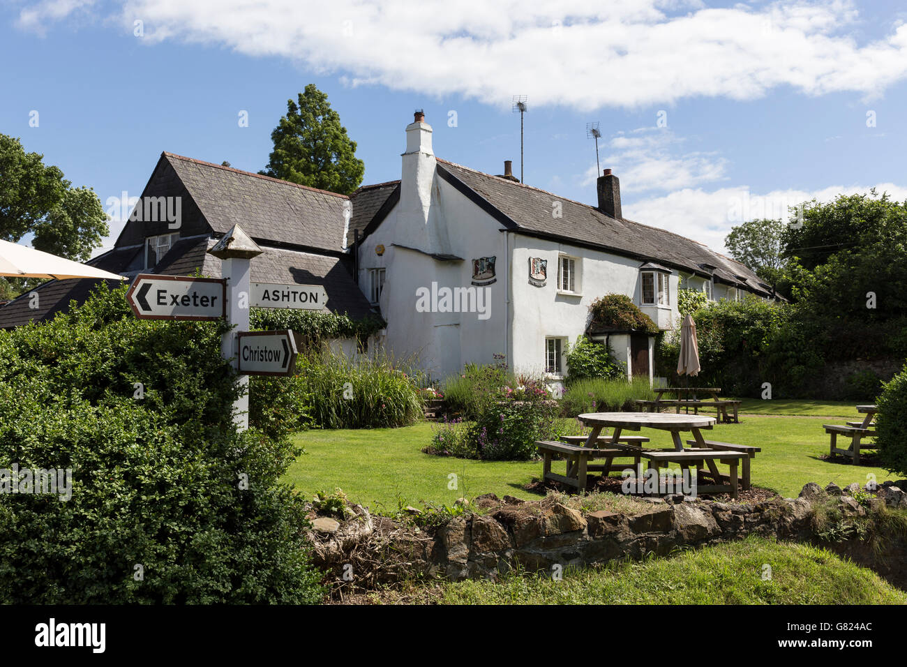 village pub, rural area,Nobody Inn Doddiscombeleigh Devon,Dartmoor National Park, village, historic, outdoors, education, - Stock Image