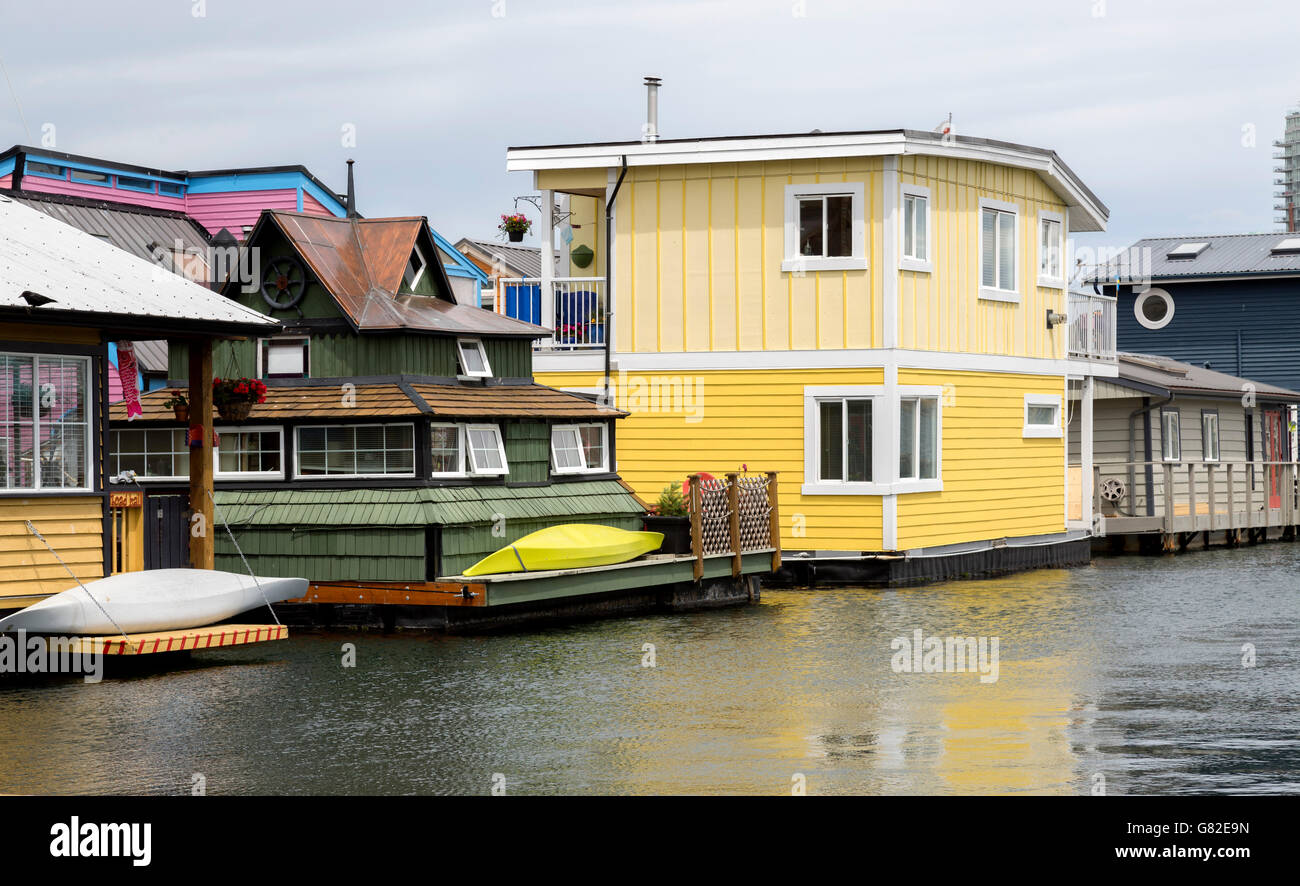 Floating homes in the Fishermans's Wharf area of Victoria, British Columbia. - Stock Image