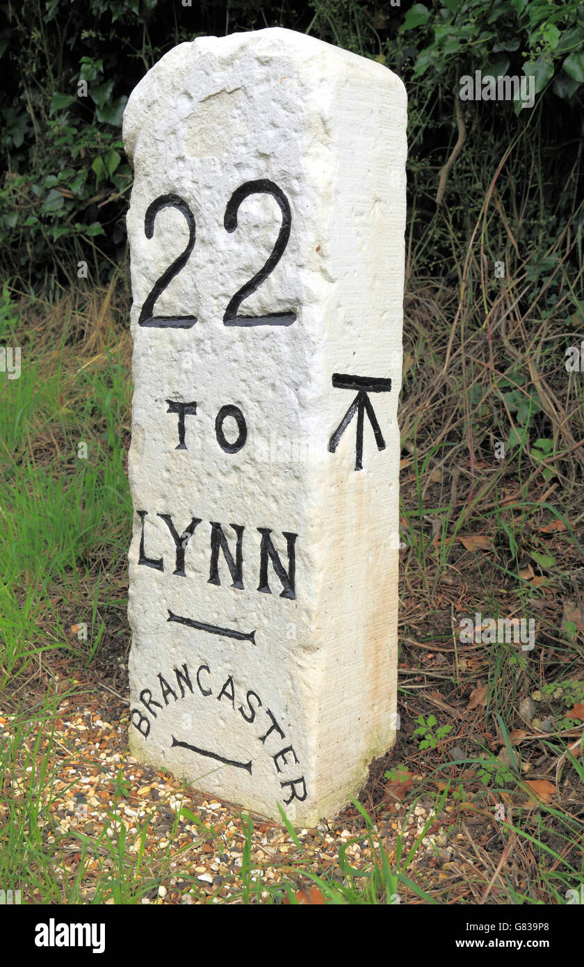 Milestone, Brancaster to Kings Lynn, Norfolk,  old English Turnpike road roads milestones, 22 miles to Lynn, Broad - Stock Image