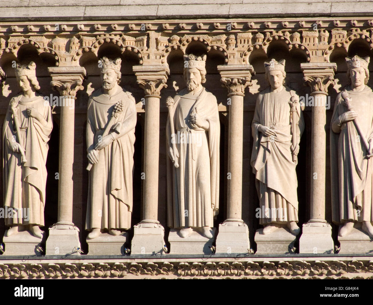 Statues along façade of Notre Dame cathedral, Paris, France - Stock Image
