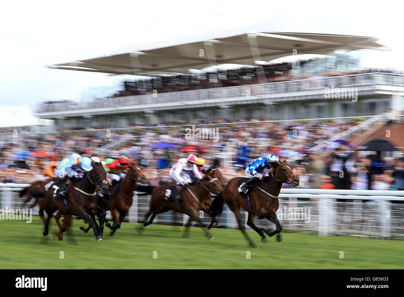 Horse Racing - Glorious Goodwood Festival 2015 - Day One - Goodwood Racecourse - Stock Image