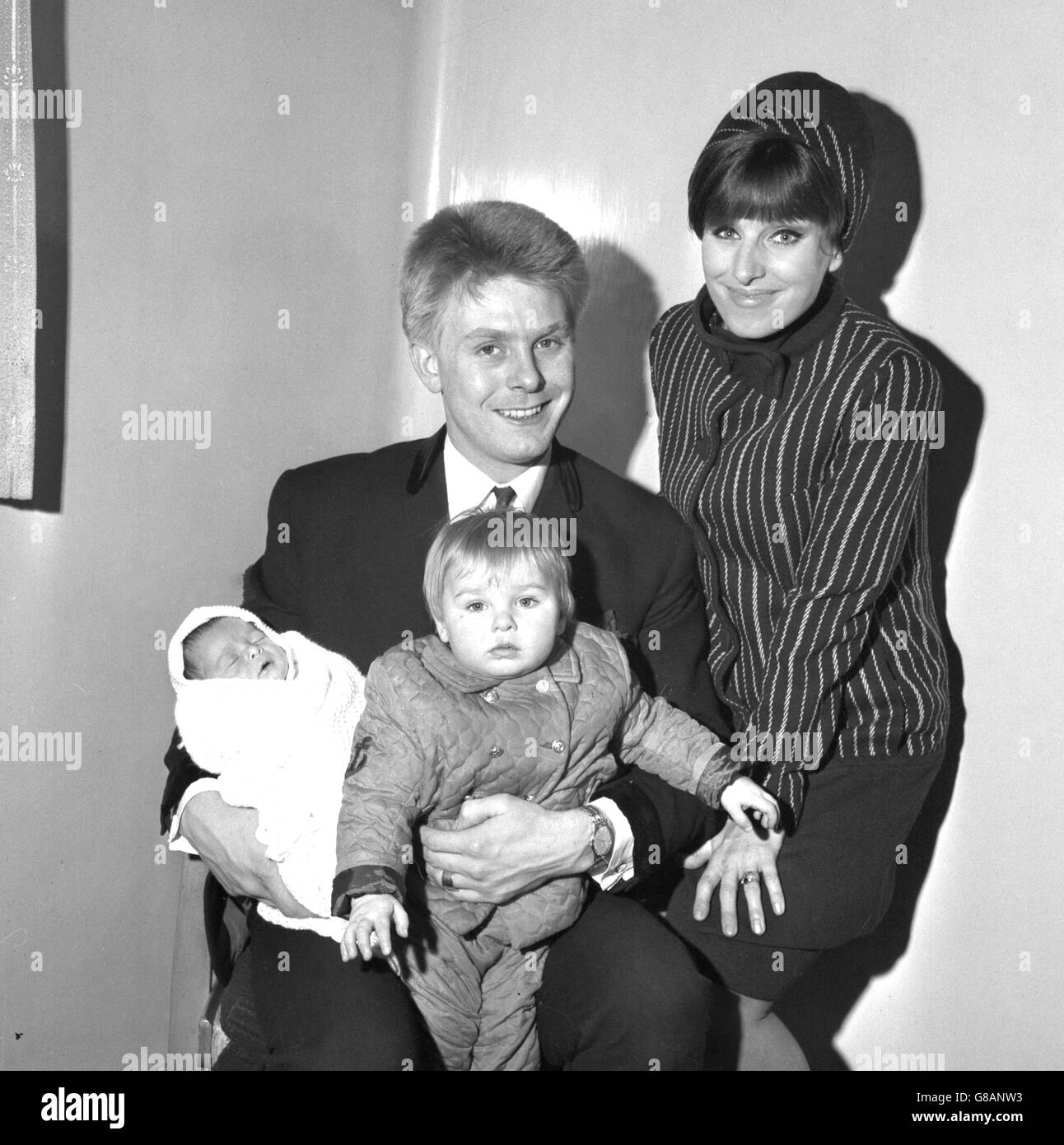 Entertainment - Joe Brown and Family - Queen Mary's Hospital, Stratford - Stock Image
