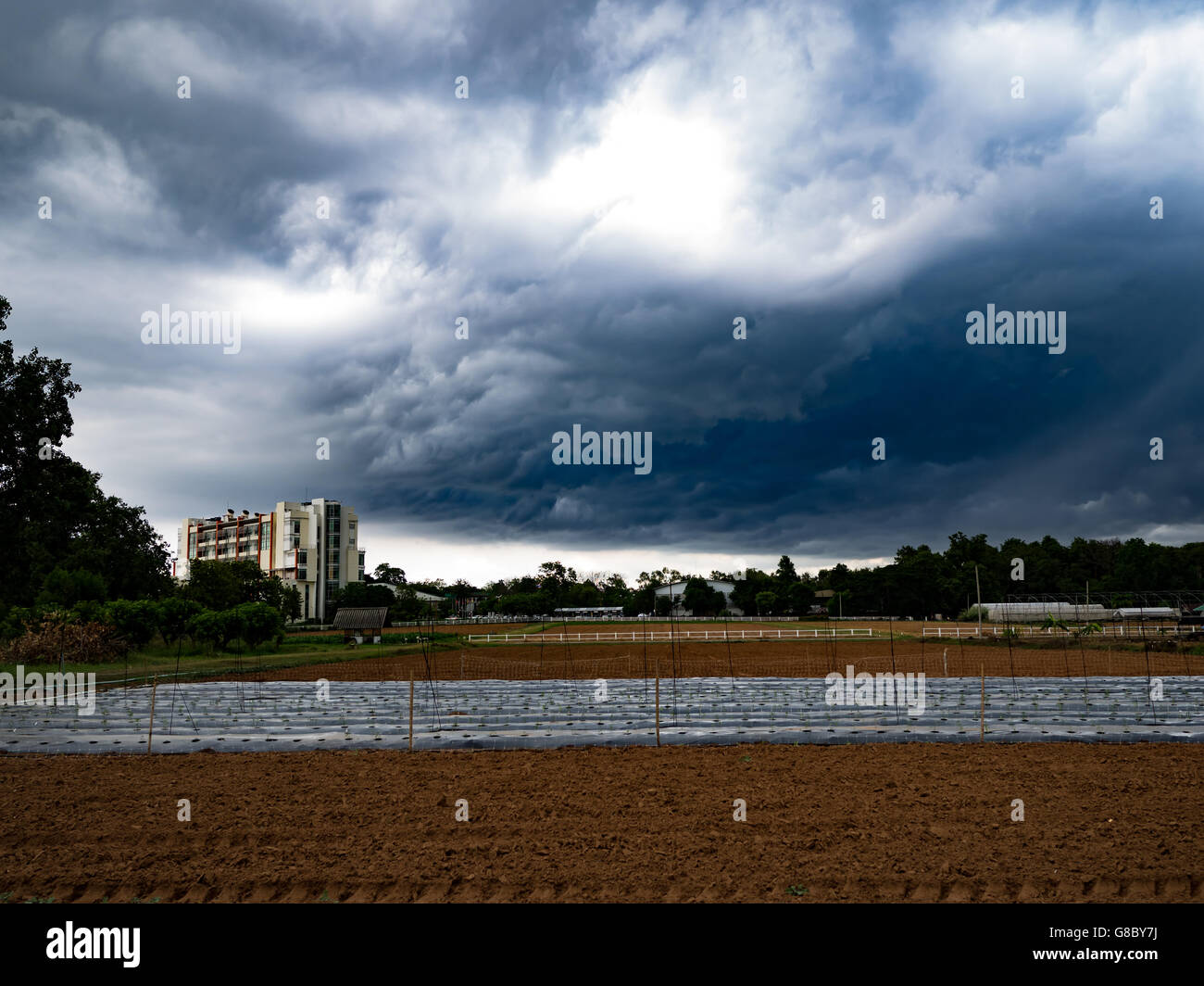 sky,hurricane,gale,tempest,rainstorm,Strom,cyclone,cloud,nimbus,cloudy - Stock Image