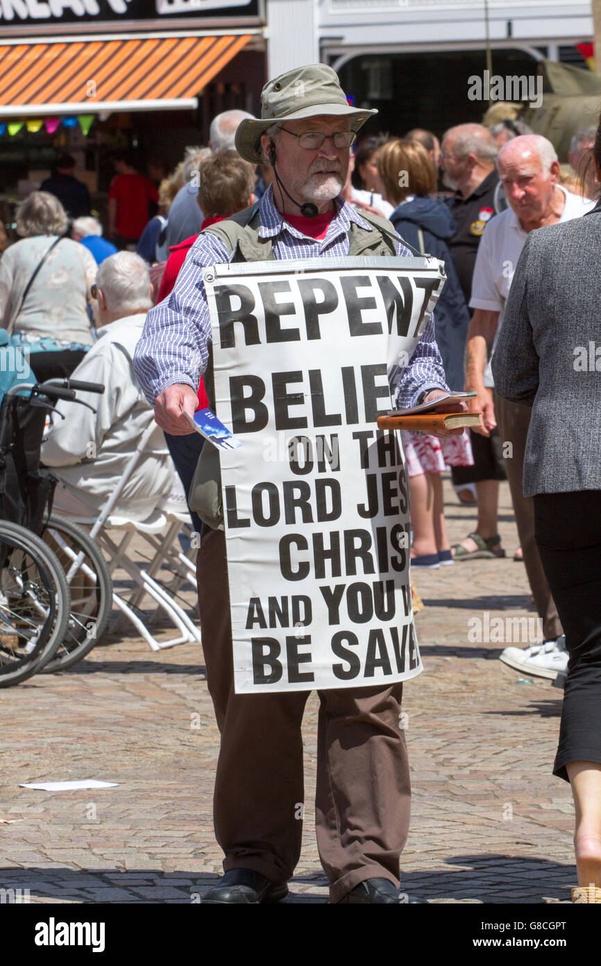 Kenneth from the highlands of Scotland, warns of Armageddon and the return of King Jesus, in Blackpool, Lancashire, - Stock Image