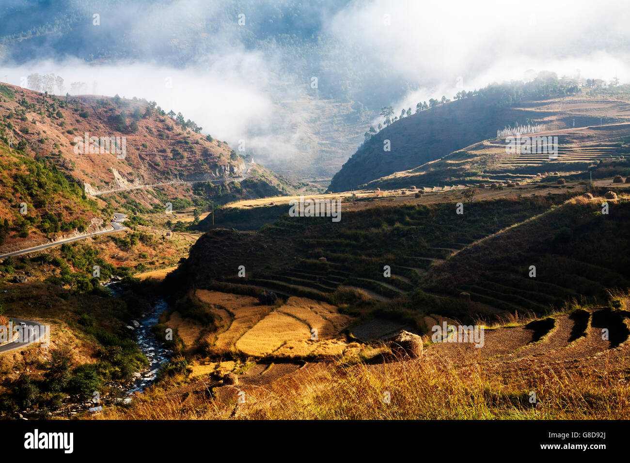 The road out of the Punakha valley.  Bhutan. - Stock Image