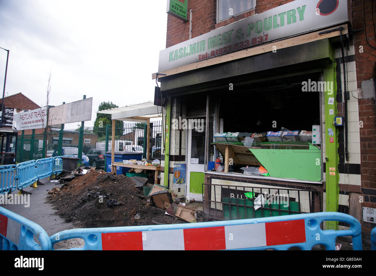 Walsall, Uk. 28, June, 2016. Muslim owned Halal shop is firebombed in what is said to be a racist attack post Brexit - Stock Image