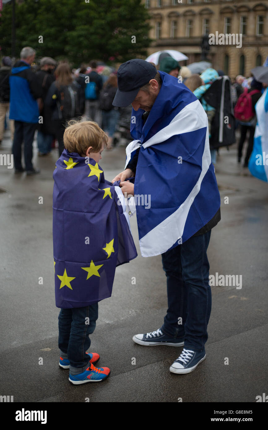 Glasgow, Scotland, UK. 29th June, 2016. Scottish Pro-European Union supporters gather for a rally in George Square, - Stock Image