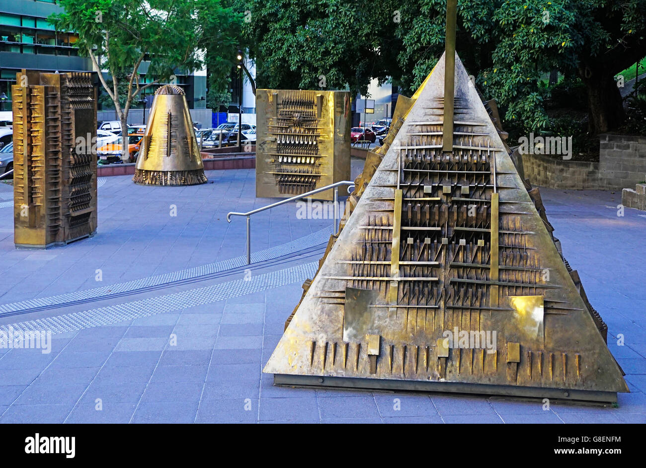 Artist Arnaldo Pomodoro's Forms of Myth (Forme del Mit) bronze sculptures in Brisbane. - Stock Image