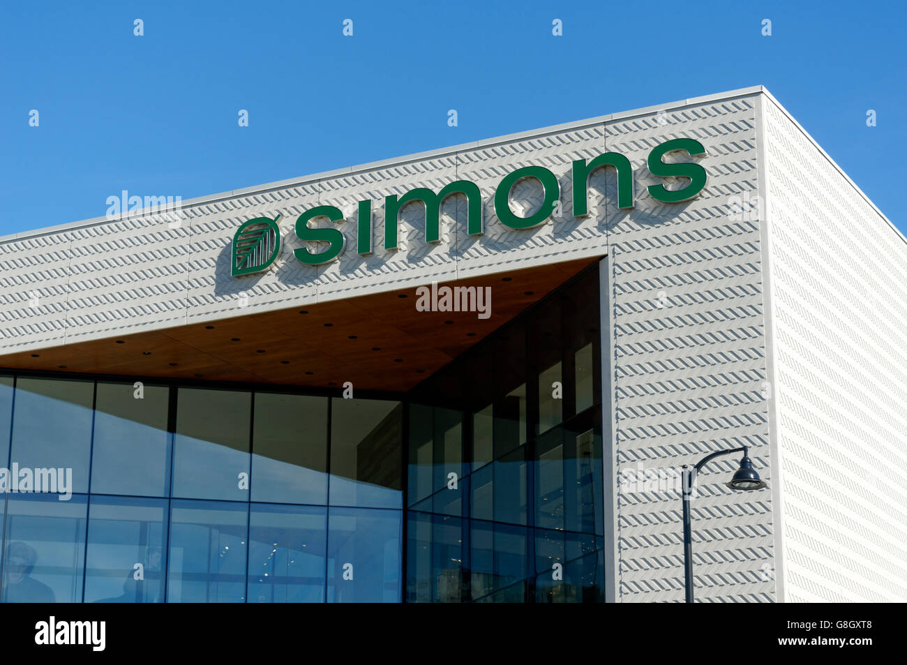 Simons Clothing And Home Decor Store In The Park Royal Shopping Stock Photo Alamy