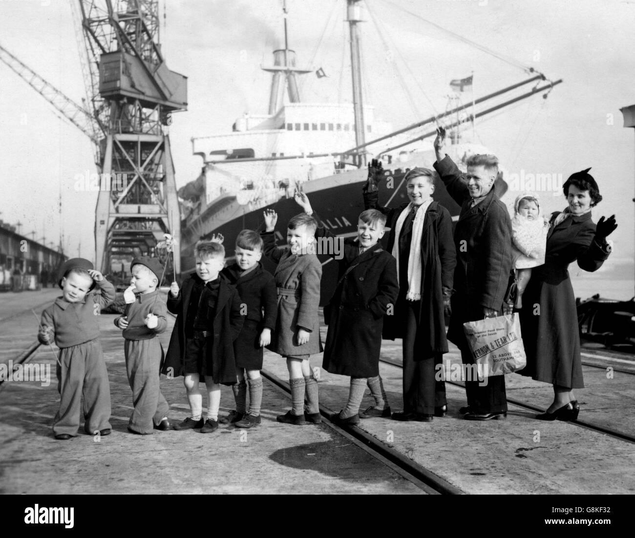 Transport - Henwood's Family Emigrate to Australia - Southampton - Stock Image
