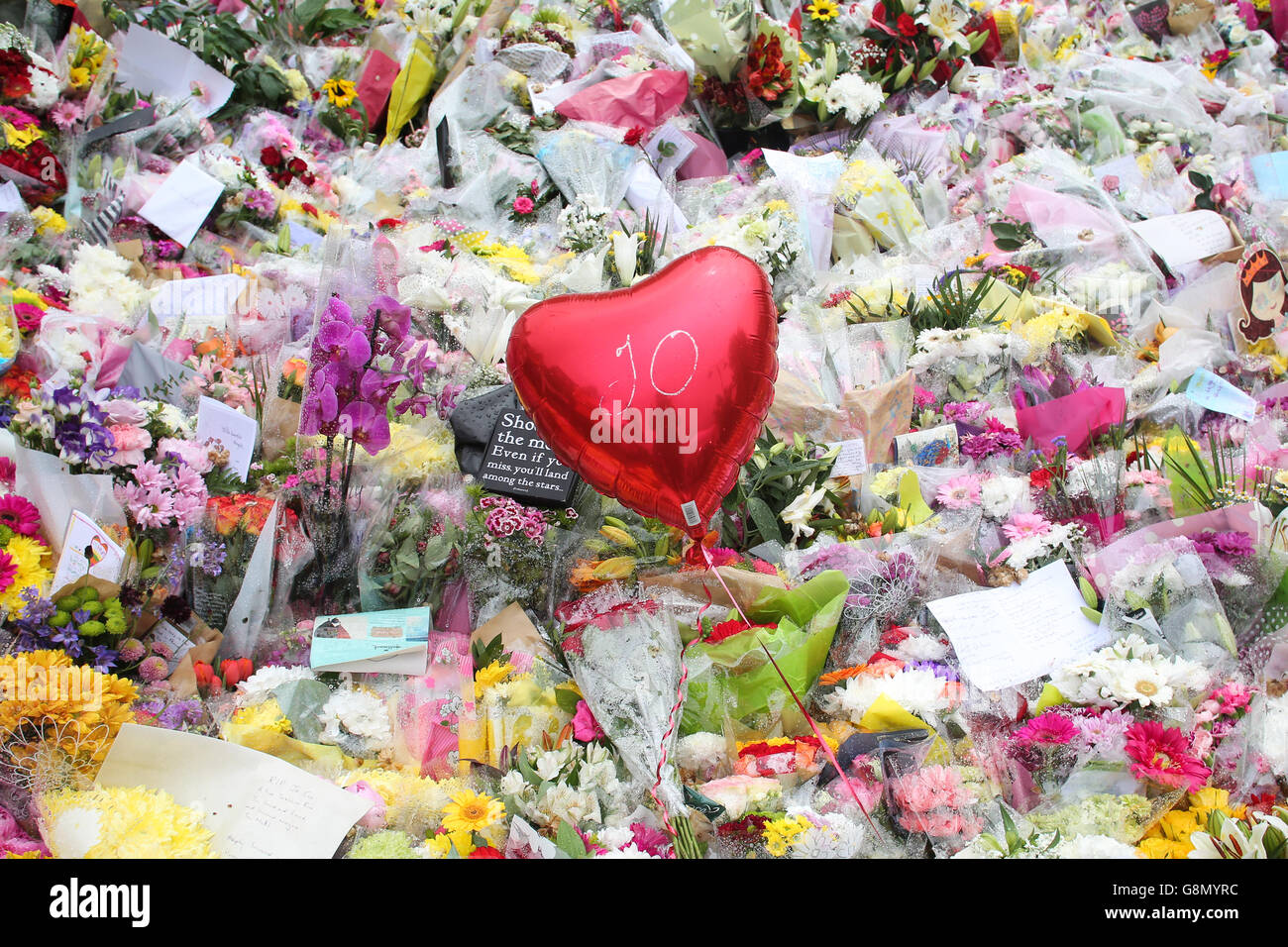 Hundreds of  flowers left by mourners in the town of Birstall, West Yorkshire, where Labour MP Jo Cox was shot and - Stock Image