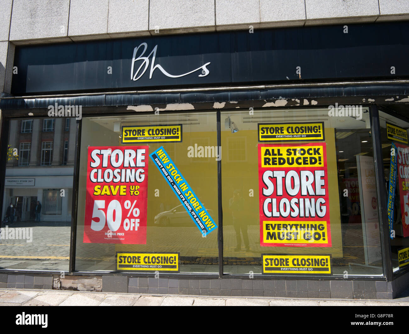 BHS store closing everything must go signs in shop window, Truro, Cornwall UK. - Stock Image