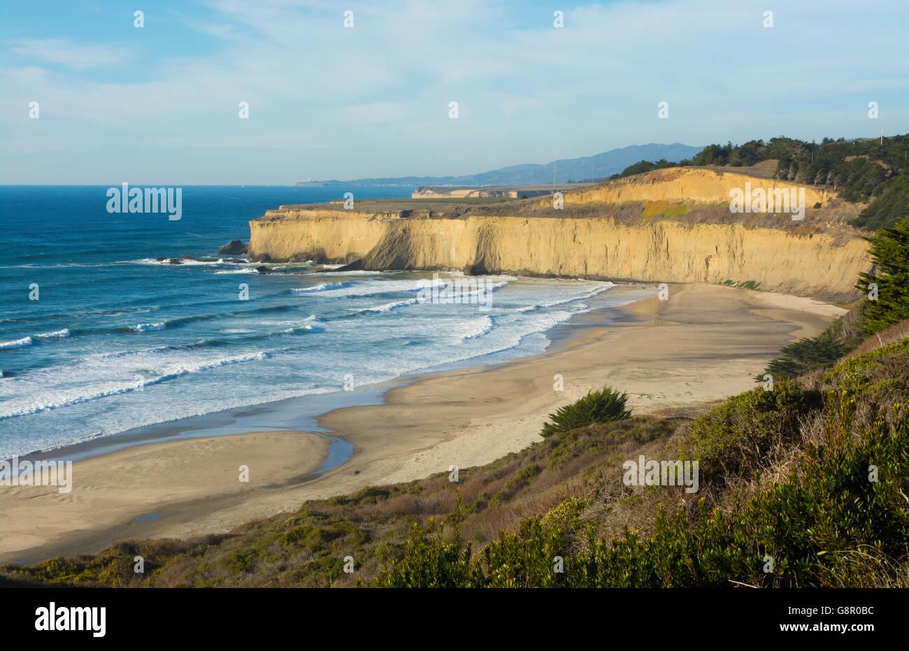 Pacific Coast Highway #1 California below Pebble Beach near Carmel beautiful cliffs and waves of ocean - Stock Image