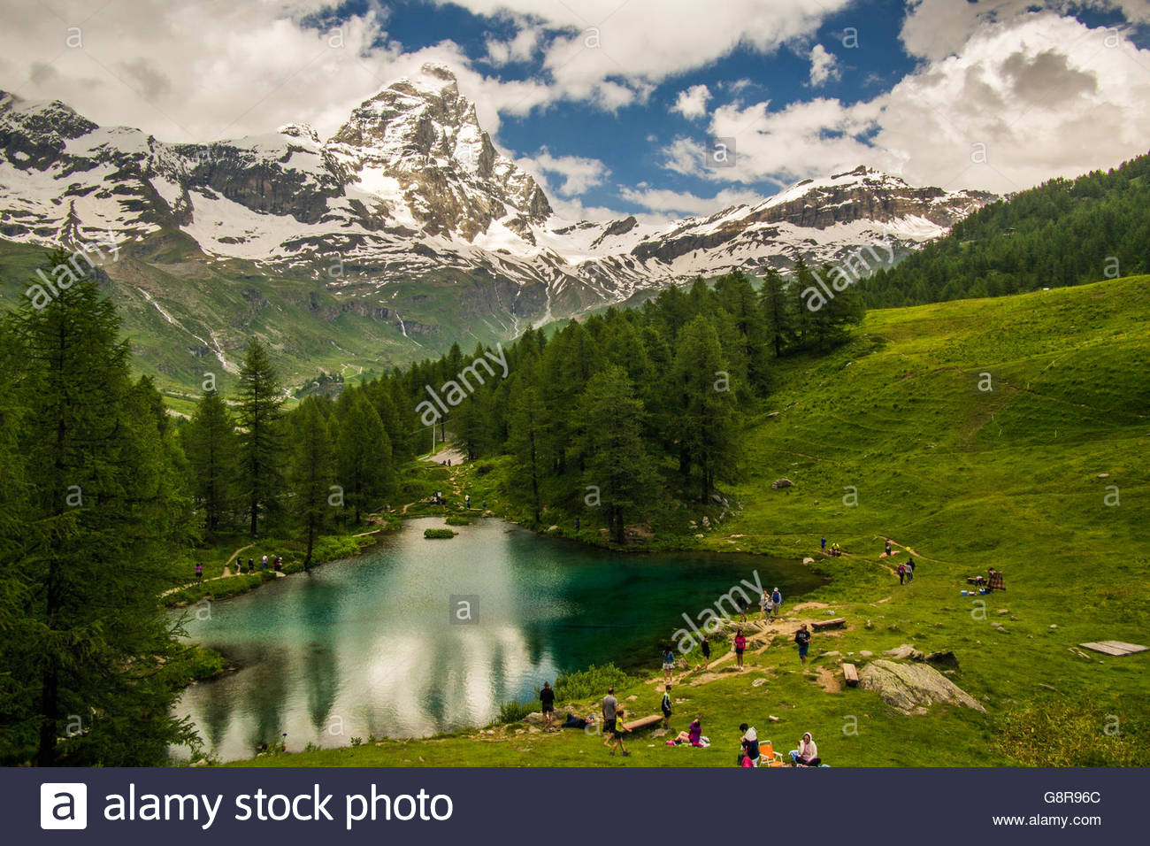 Lago Blu (Blue Lake) in the Aosta Valley, with the Cervino mountain (aka Matterhorn in Switzerland), Italy. - Stock Image
