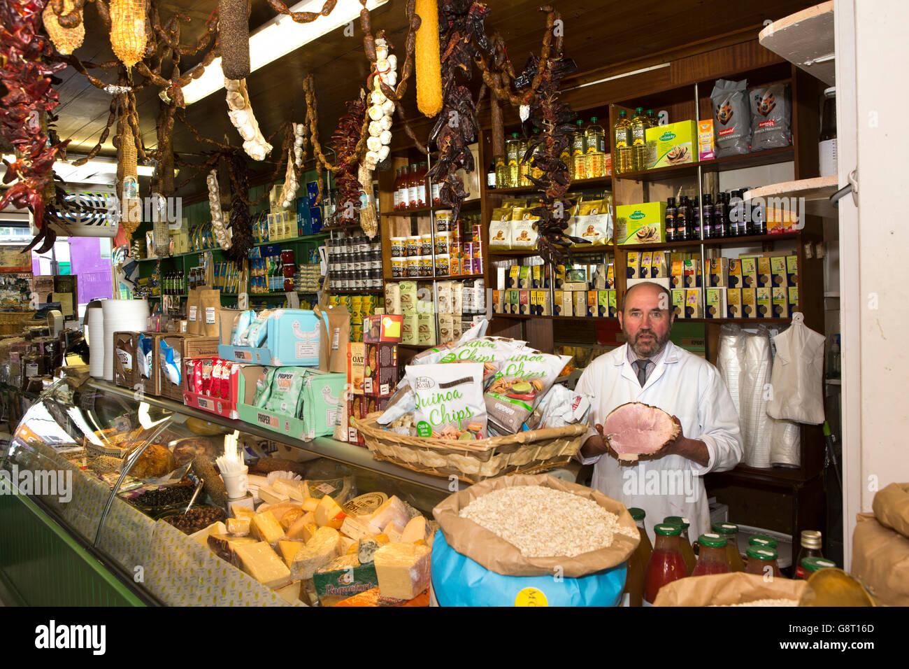 Ireland, Co Sligo, Sligo, Market Square, Michael Cosgrove in grocer's shop - Stock Image
