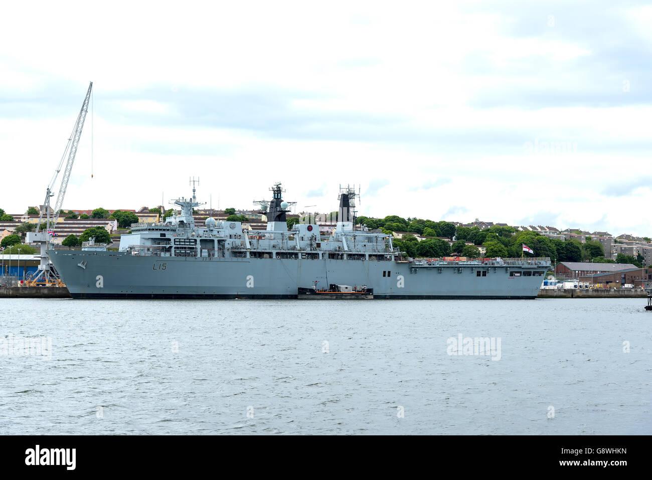 HMS Bulwark an Albion-class amphibious assault ship at HMNB Devonport, Plymouth Stock Photo