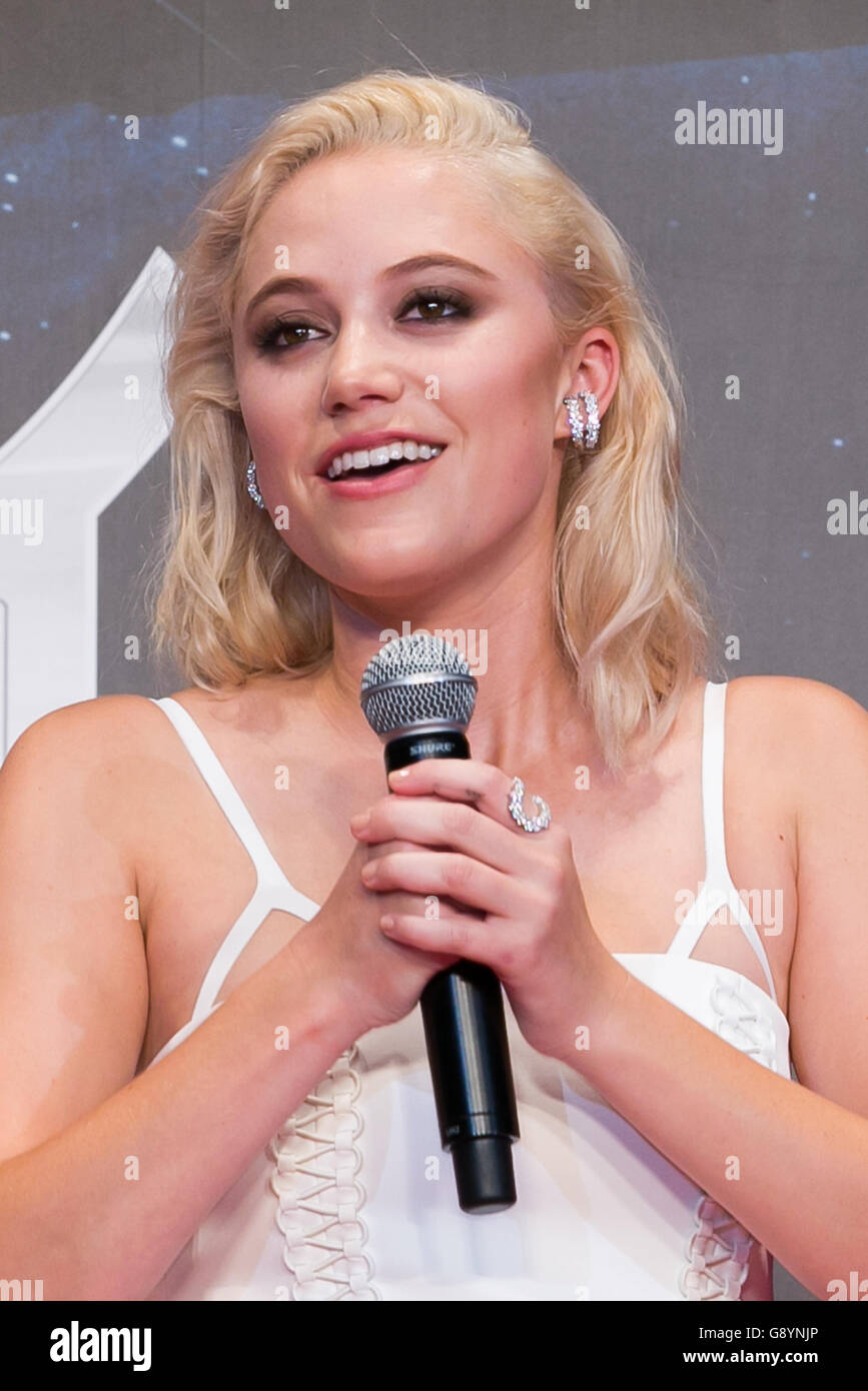 Tokyo, Japan. 30th June, 2016. Actress Maika Monroe speaks during a ...