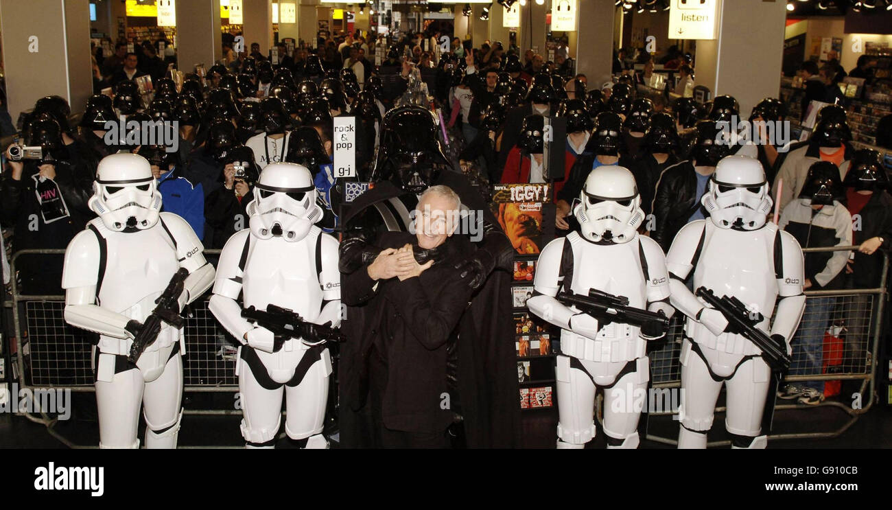 Photocall - 'Episode III: Revenge Of The Sith' and 'Battlefront II' -  Oxford Street HMV, London. - Stock Image