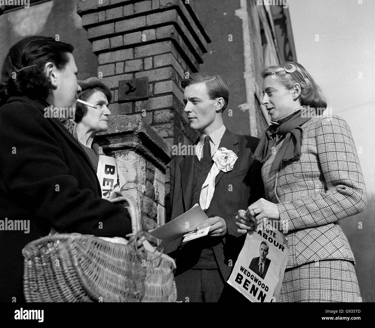 Tony Benn Canvassing 1950 - Stock Image