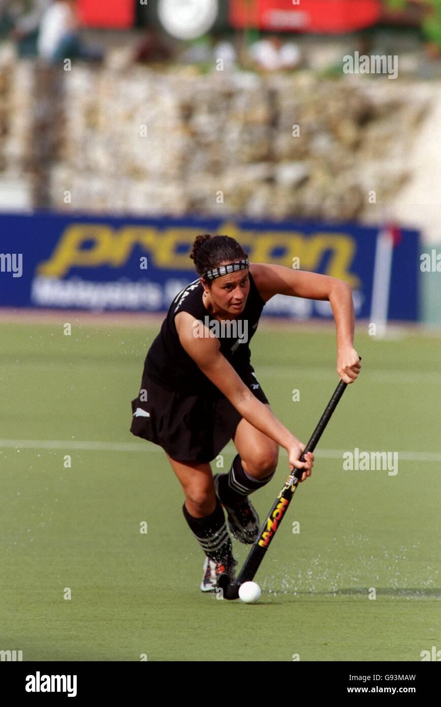 Women's Hockey - 16th Commonwealth Games - Kuala Lumpur, Malaysia - Third Place Play-Off - New Zealand v India - Stock Image