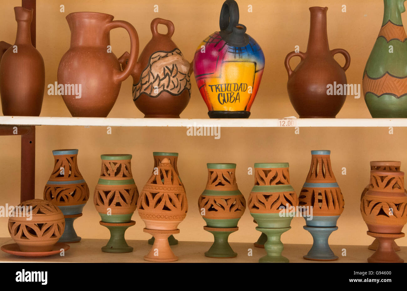 Trinidad Cuba clay pottery business selling vases and artwork - Stock Image