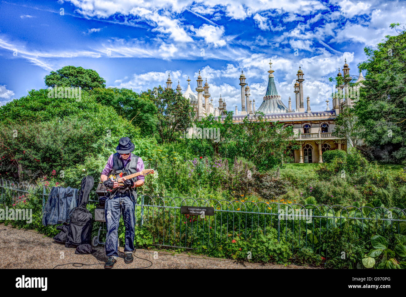 Busker Brighton Stock Photos & Busker Brighton Stock Images - Alamy