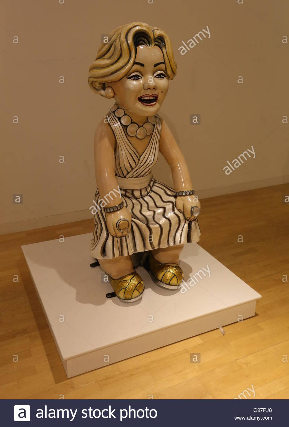 Statues of Oor Wullie at Bucket Trail headquarters in Overgate Dundee before heading off on a tour of Scotland  Stock Photo