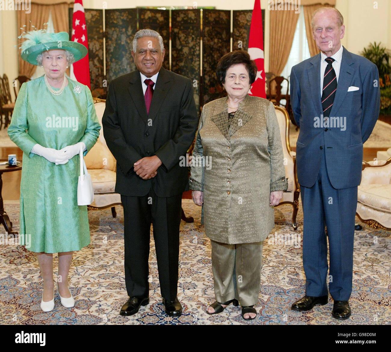royalty queen elizabeth ii visit to singapore stock photo rh alamy com