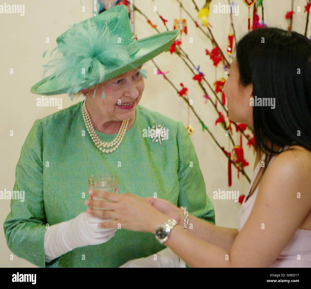 Royalty - Queen Elizabeth II Visit to Singapore - Stock Image