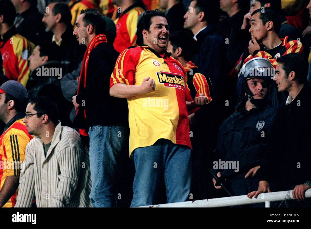 Soccer - UEFA Cup - Semi Final First Leg - Galatasaray v Leeds United Stock  Photo - Alamy