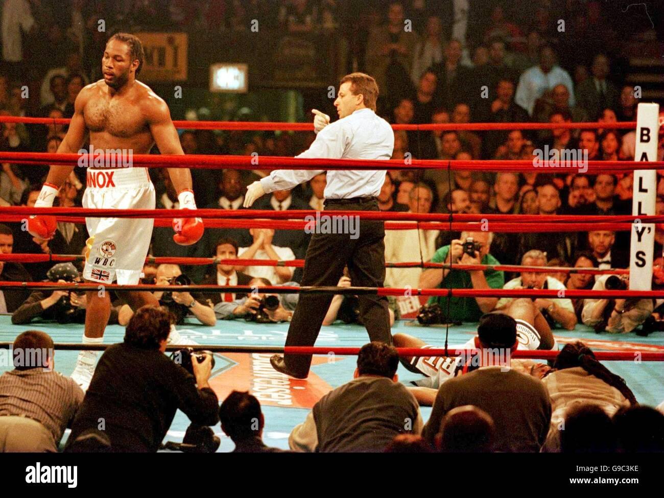Boxing - WBC Heavyweight Championship - Lennox Lewis v Michael Grant ...