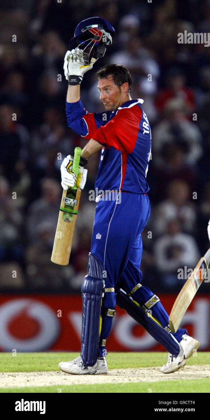 England batsman Marcus Trescothick acknowledges the crowd after scoring a half-century against Sri Lanka during - Stock Image