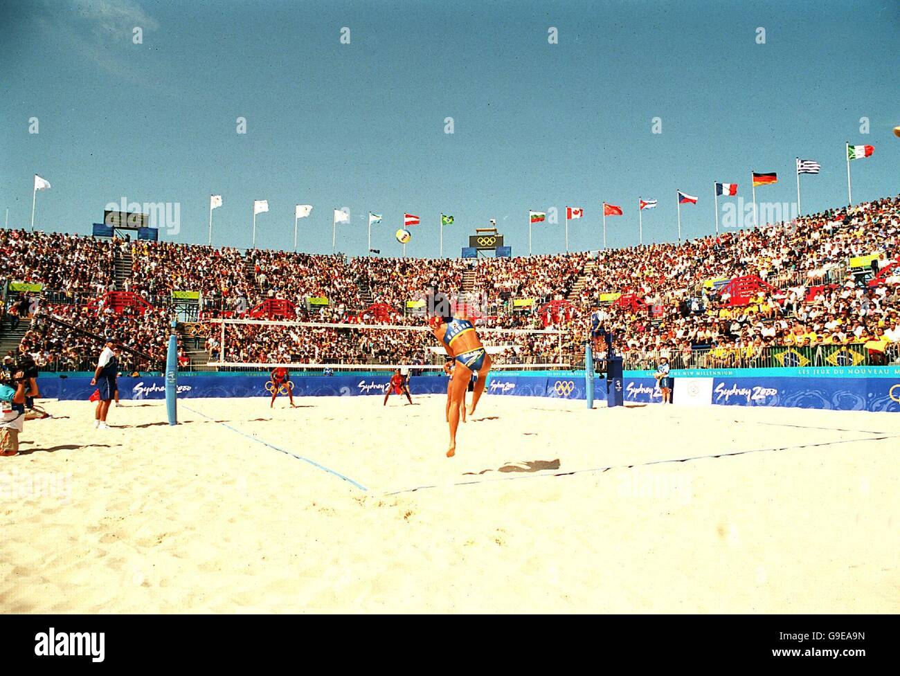Sydney 2000 Olympics Women S Beach Volleyball Brazil V Cuba Stock Photo Alamy
