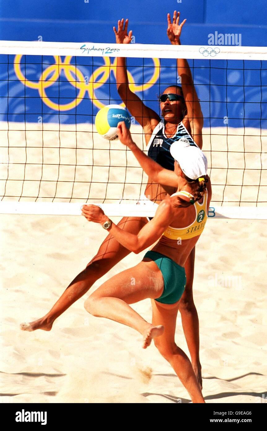 Women S Beach Volleyball Sydney 2000 Olympics Usa V Australia Stock Photo Alamy