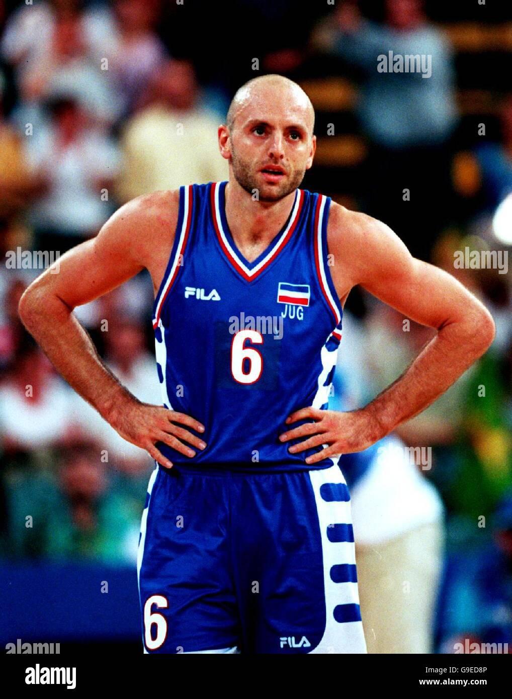 Sydney 2000 Olympics - Basketball - Australia v Yugoslavia Stock Photo