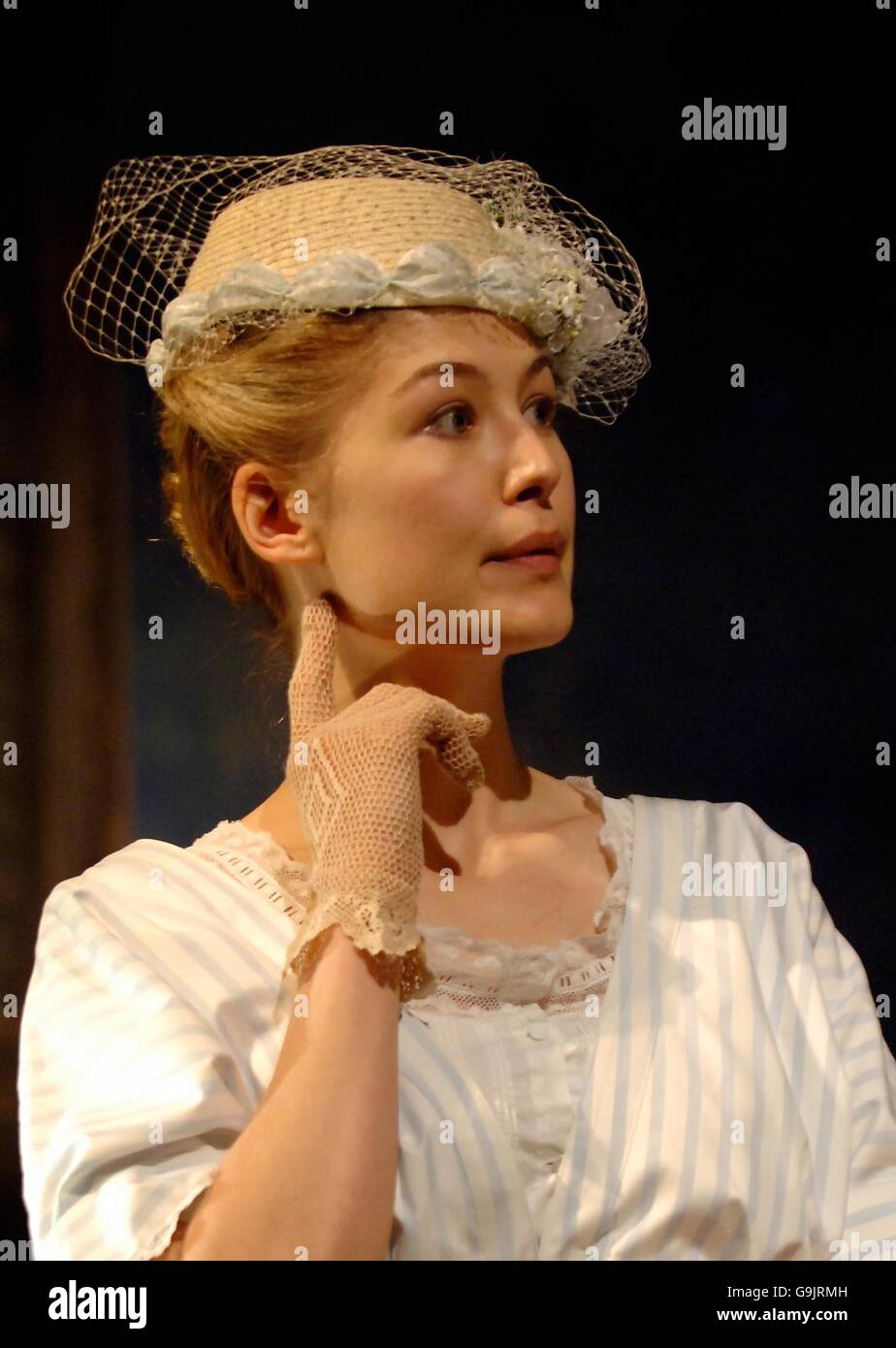 Rosamund Pike - Summer And Smoke - London - Stock Image