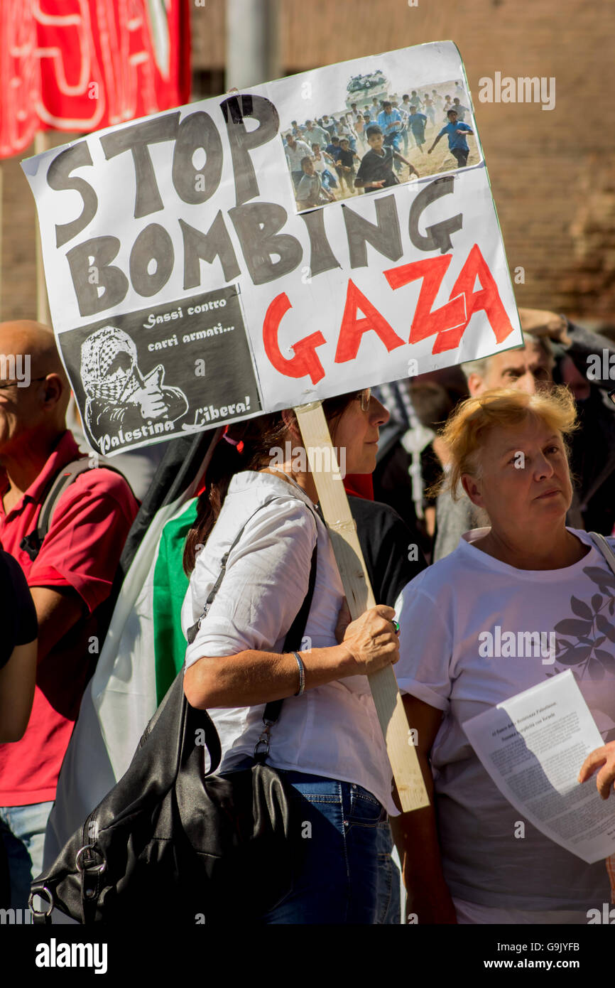 sign against the bombing of Gaza - Stock Image