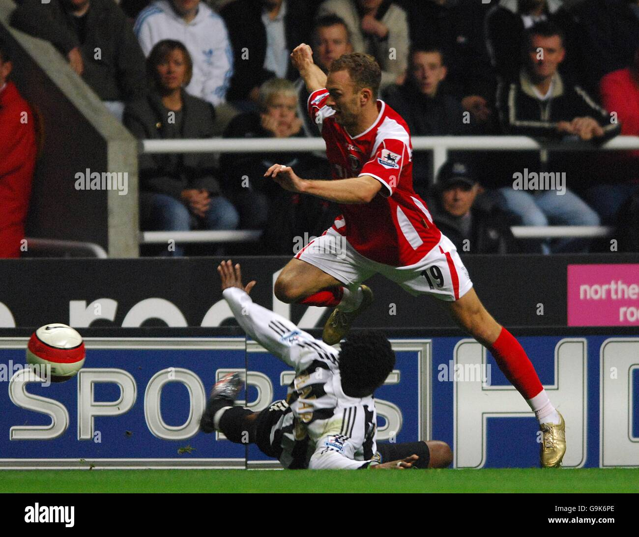 Soccer - FA Barclays Premiership - Newcastle United v Charlton Athletic  - St James Park - Stock Image