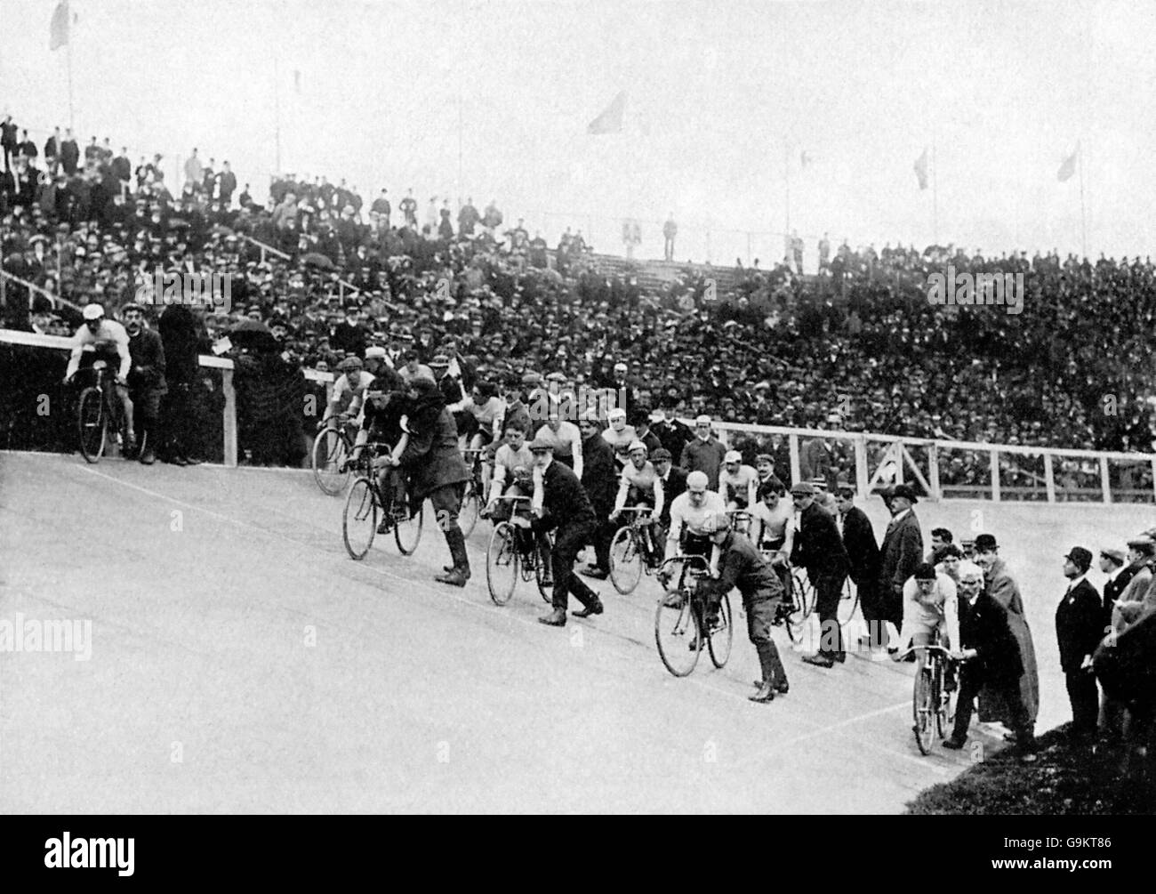 Cycling - London Olympic Games 1908 - 100km Track - Final - White City - Stock Image