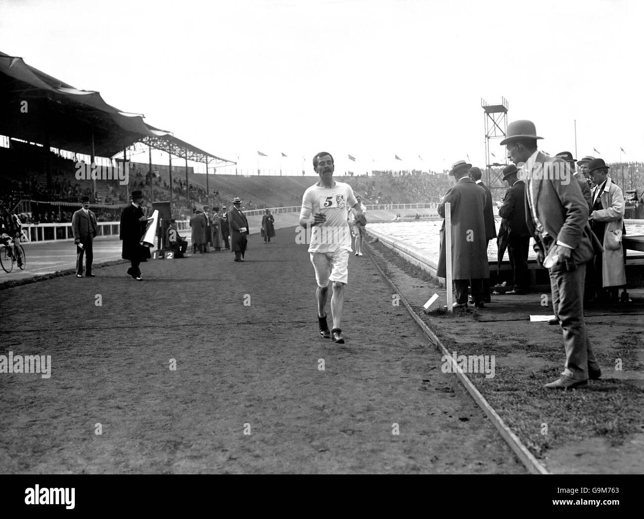 Athletics - London Olympic Games 1908 - Ten Mile Walk - Final - White City - Stock Image