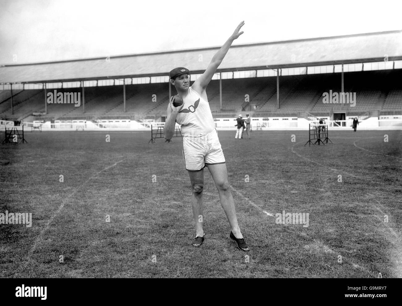 Athletics - London Olympic Games 1908 - Shot Put - White City - Stock Image