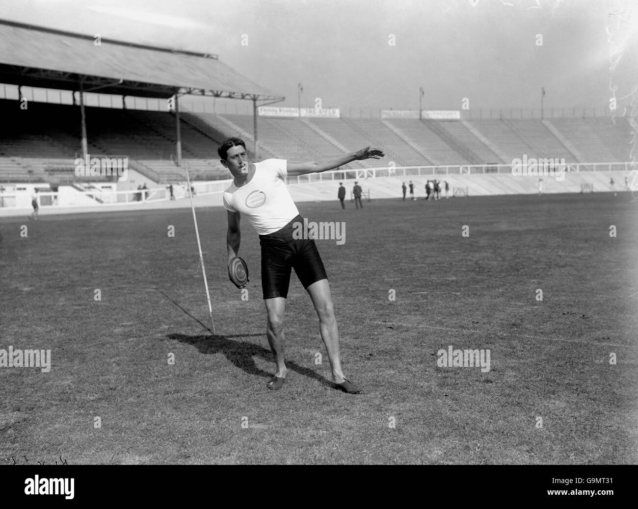 Athletics - London Olympic Games 1908 - Discus - White City - Stock Image