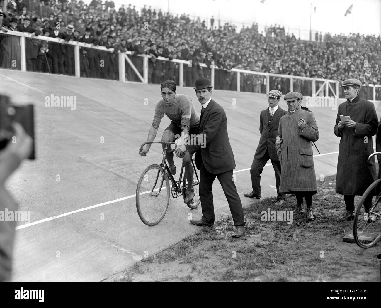 Cycling - London Olympic Games 1908 - 100km Track - White City Stock Photo
