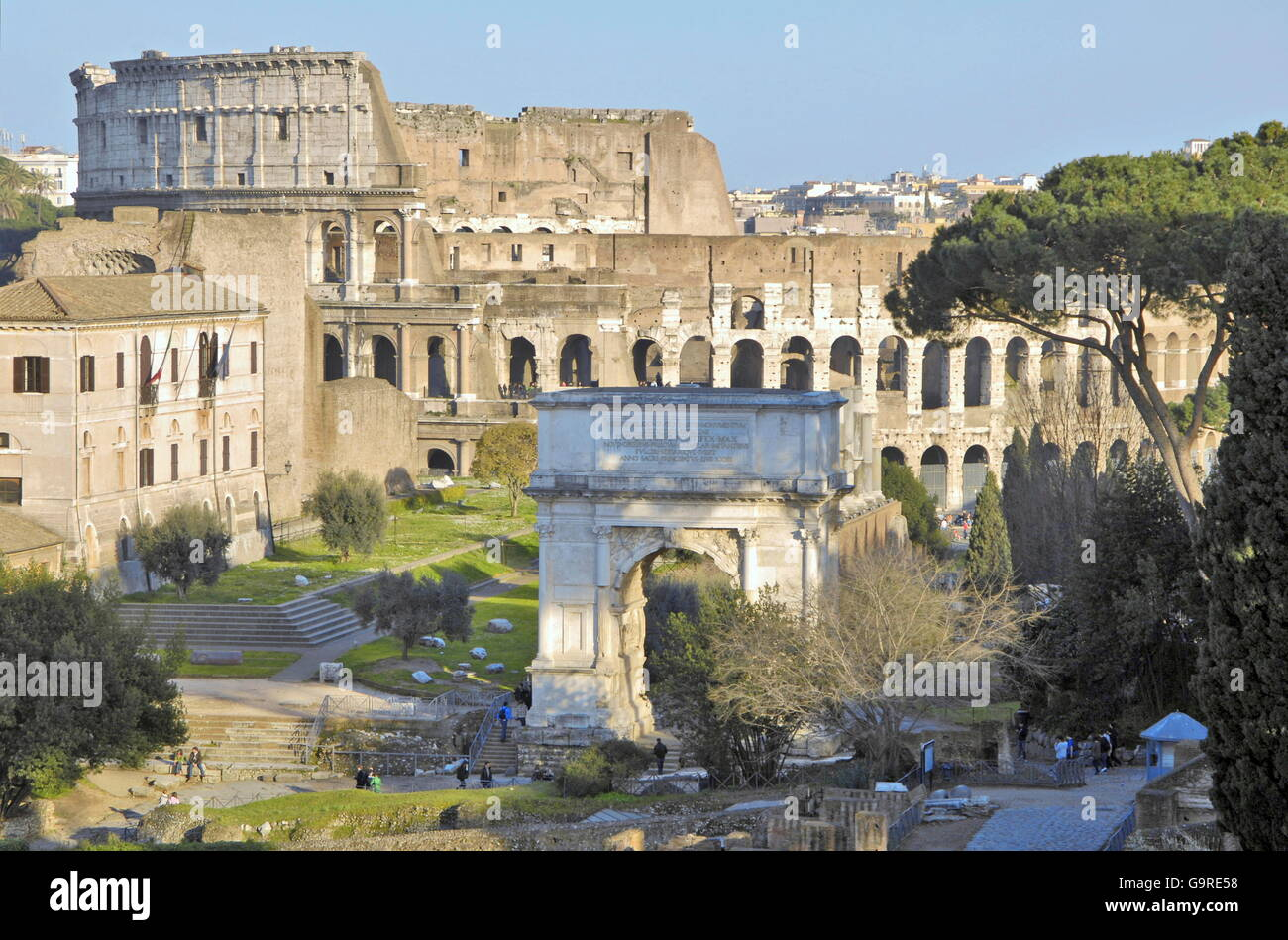 Titus Arch, view on colosseum, Foro Romano, Rome, Italy - Stock Image