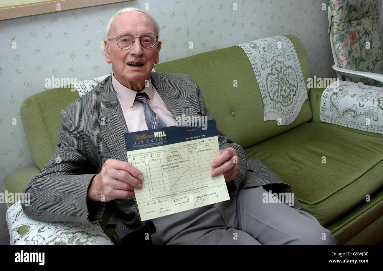 Man lives to 100 to win bet Stock Photo