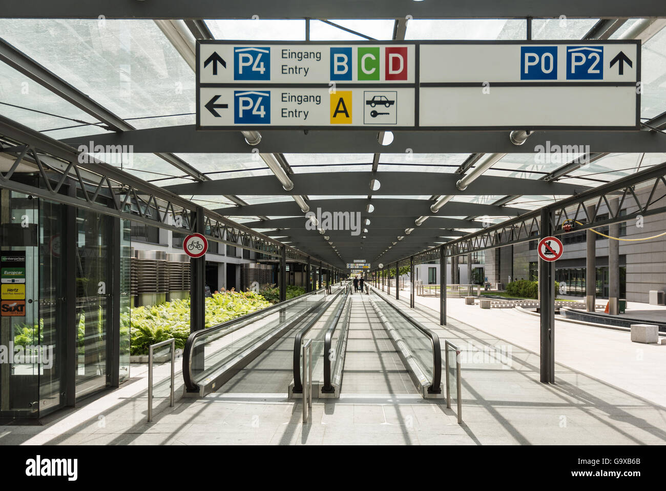 moving walkway germany stock photos moving walkway germany stock images alamy. Black Bedroom Furniture Sets. Home Design Ideas